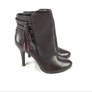 LUXE Just Fab leather heeled ankle booties tassel